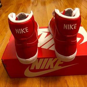 15% off Nike Shoes   Nike Blazer Mid from Treasure chestu0027s closet  Hot